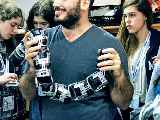 On My Tech Tours: 3-D-Printed Prosthetic Hands for Kids