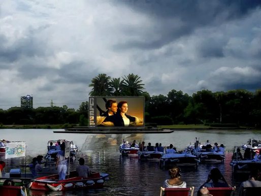 Forget Drive-in-Theaters, Israel just started a Paddle-in-Theater