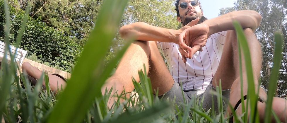 Grassy Feet Tom