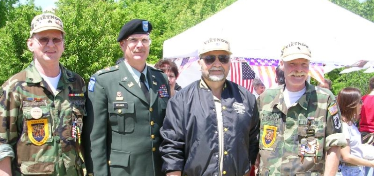 LZ, Four vets, cropped, 2005 Peace.jpg