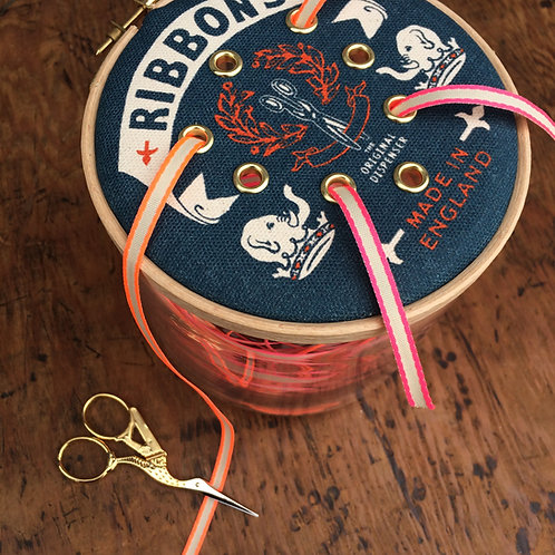 Ribbon Dispenser 'Elephant & Crown'