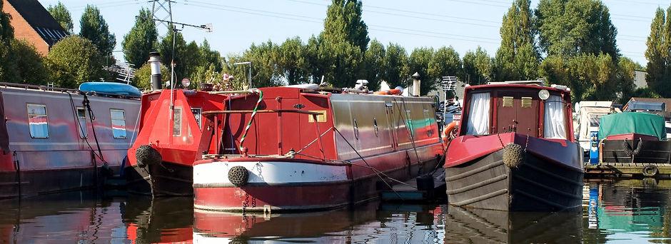 Narrowboats_edited.jpg