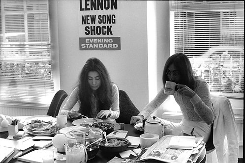 Yoko Ono & John Lennon a Honeymoon for Peace