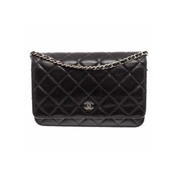 CHANEL - Wok Quilted