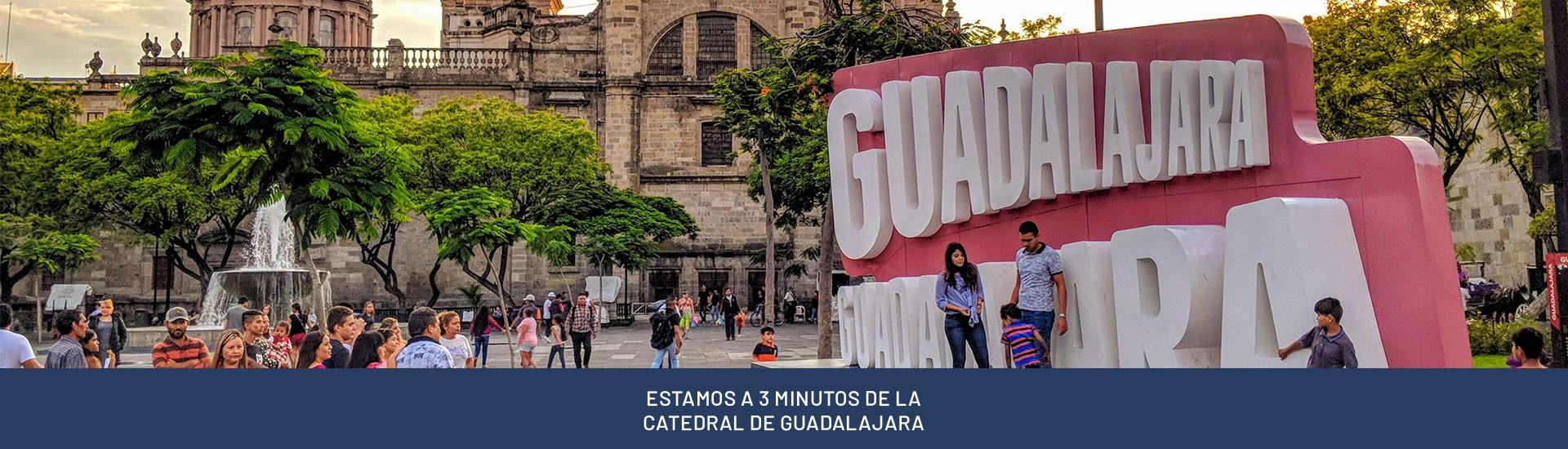 ESTAMOS A 3 MINUTOS DE LA CATEDRAL DE GUADALAJARA