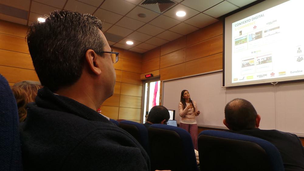 Presentación de Vicsa durante el Seminario de Casos Prácticos sobre Estrategias de Marketing Digital en Contextos B2B