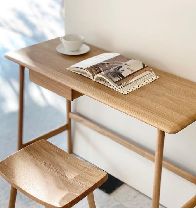 author desk & odd stool