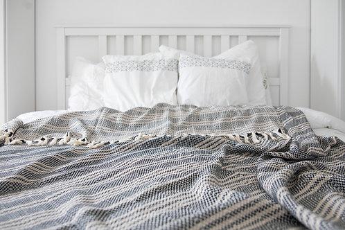 Dekör Demet - Baumwolldecke im schicken Stil schwarz mit beigen Streifen