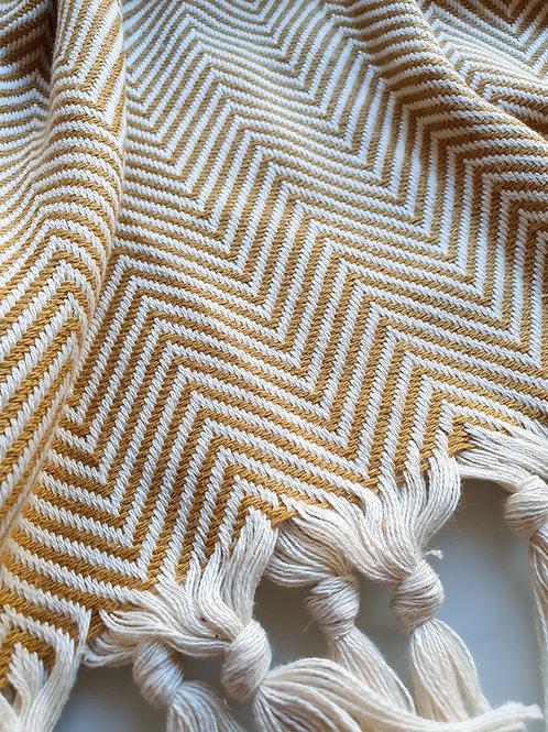 Müster Murat - Baumwolldecke im schicken gemusterten Design senfgelb