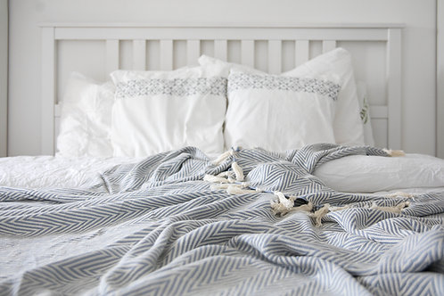 Müster Murat - Baumwolldecke im schicken gemusterten Design grau/weiß