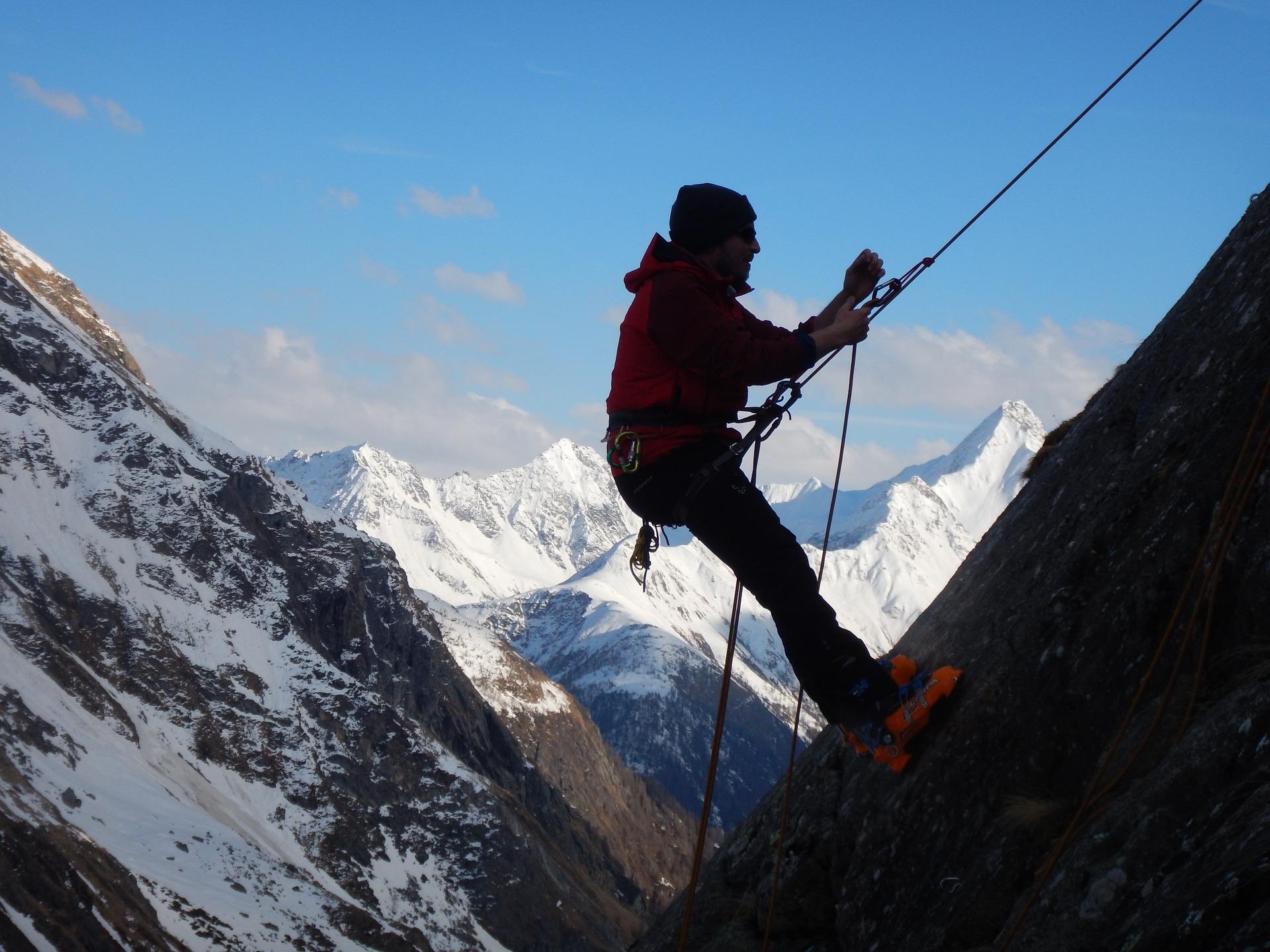 climb-1366823_1920
