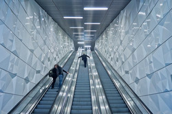 escalator-2563716_1920