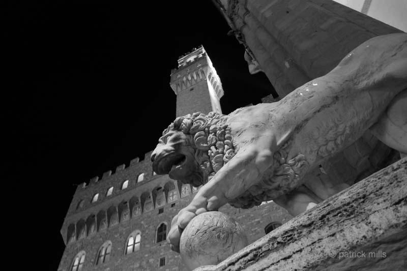 florence piazza signora night