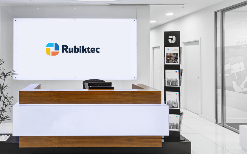 rubiktec-reception-mockup