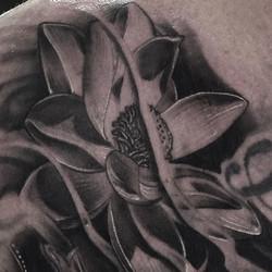Closeup of another lotus 👀 _#joeydeliatattoos _#tampatattoos _#rdctampa