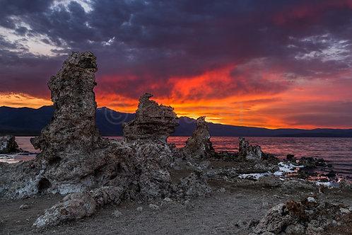 Sunset over Tufas XXII (Mono Lake)