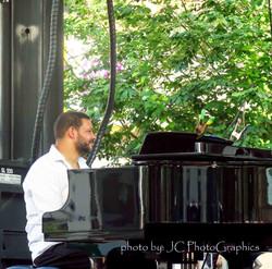 Damian Curtis piano