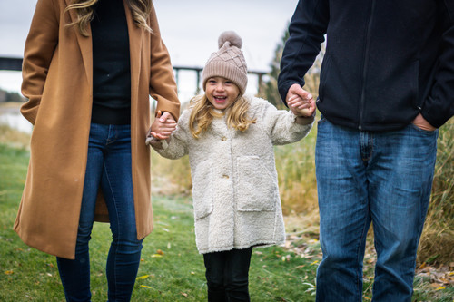 Girl and parents