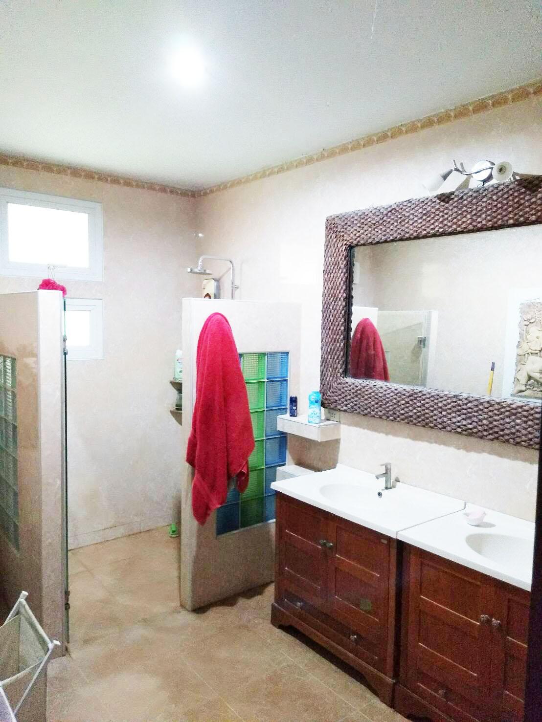 Bath Room bedroom 1&2