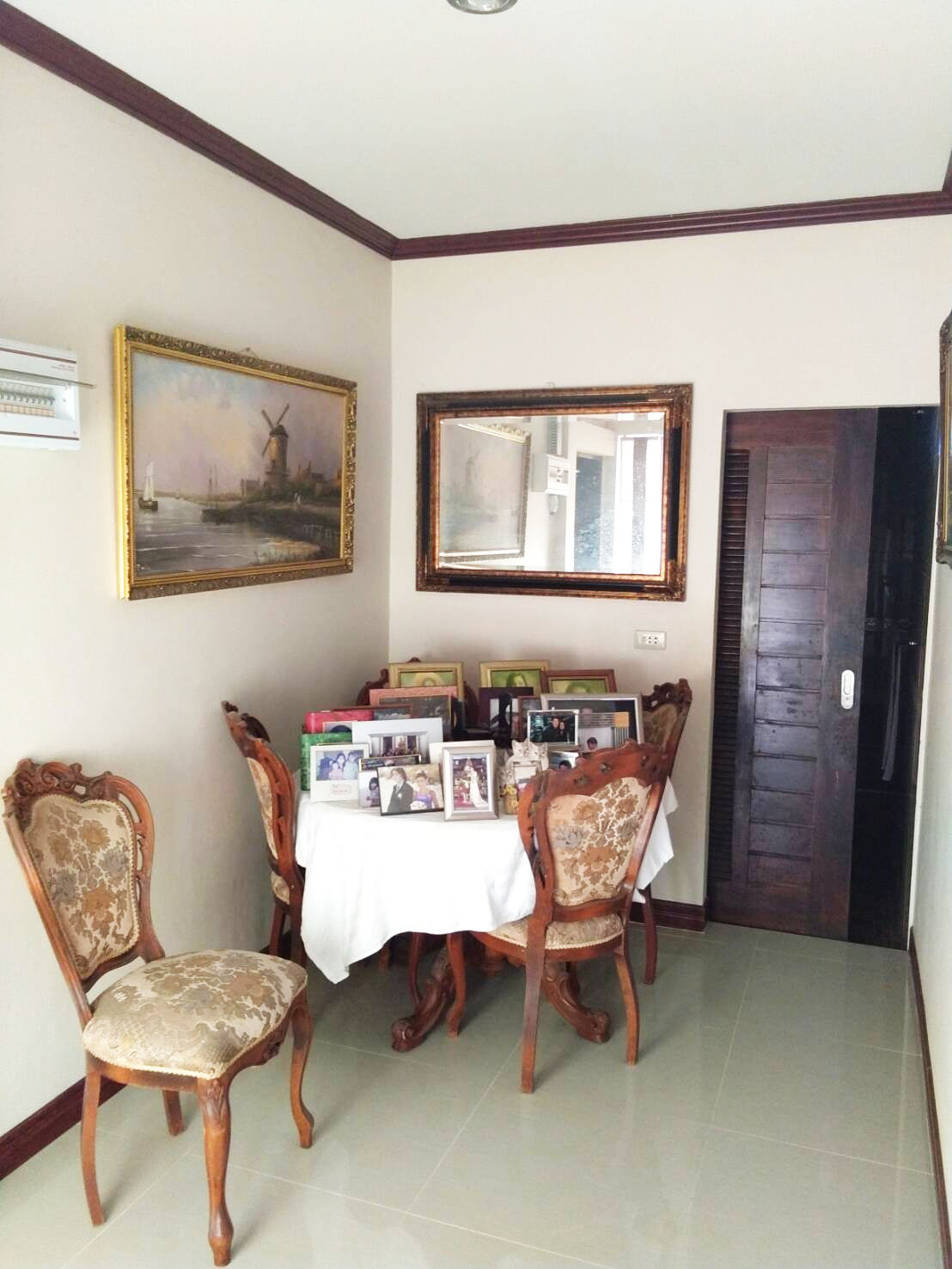 Coridor to Bedroom 1 & 2