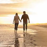 pareja caminando 2.jpg