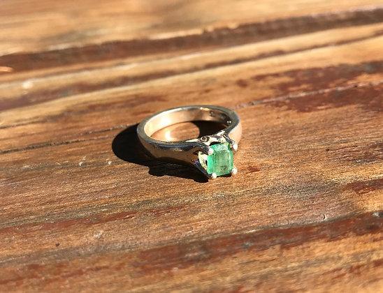 Emerald in Pure Silver Ring