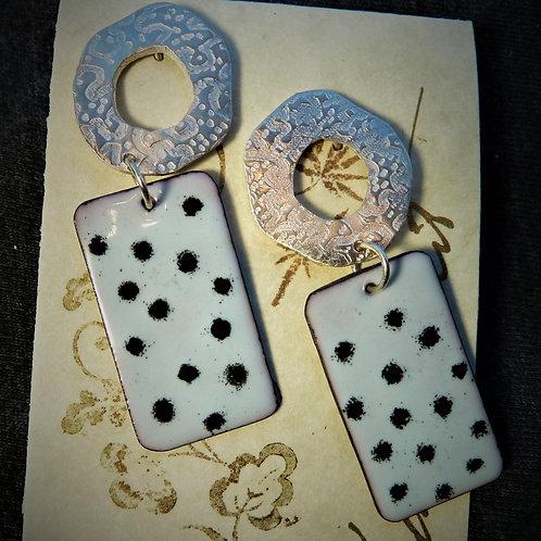 Earrings, LG011