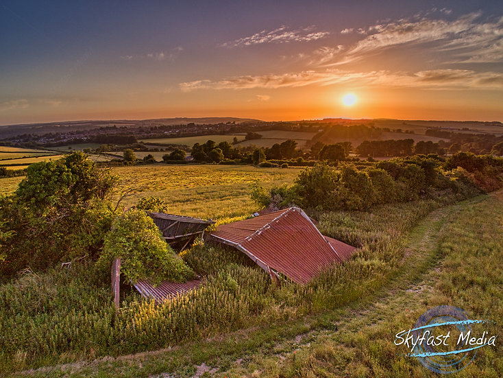 Old Barn Sunset Canvas
