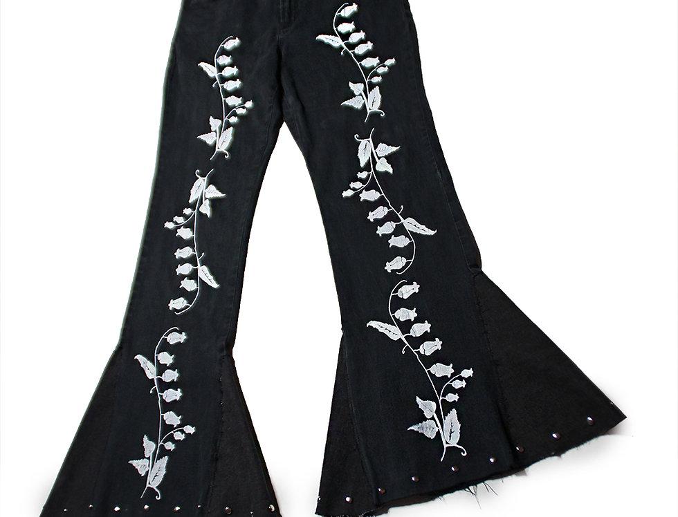 SOMEWHERE BLACK FULL BELLFLOWER PANTS
