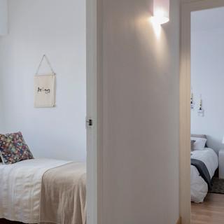 Calma, blanco y lleno de luz, Castelldefels.