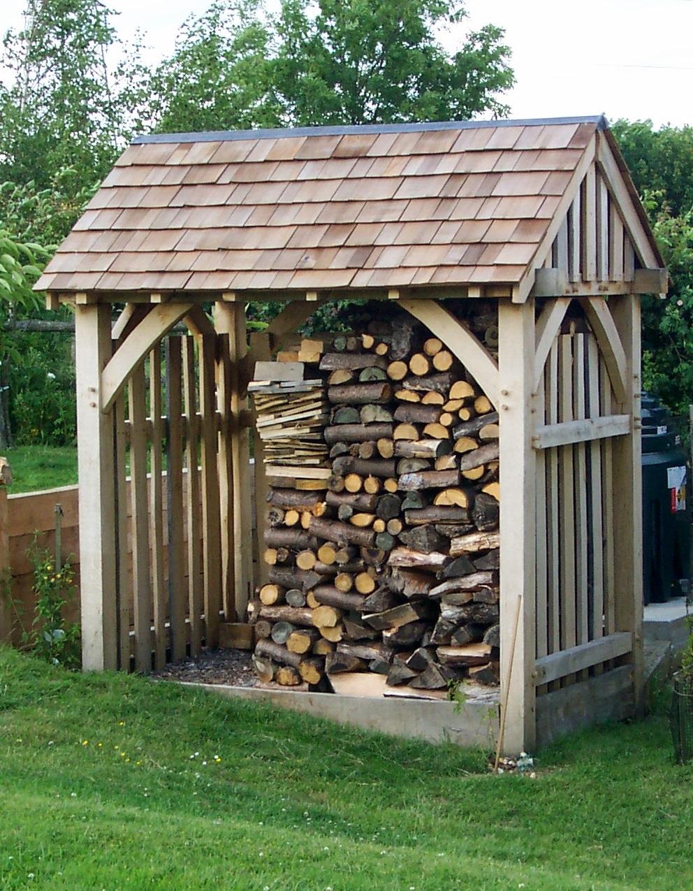 Log sheds built to size