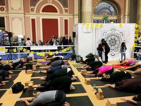 om yoga show live mandala art