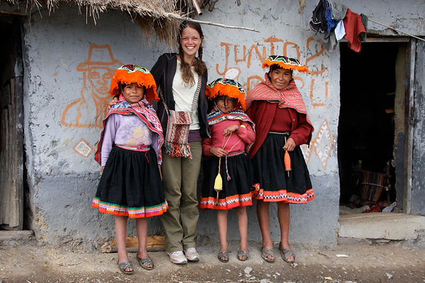 Quechua children posing with Ashli