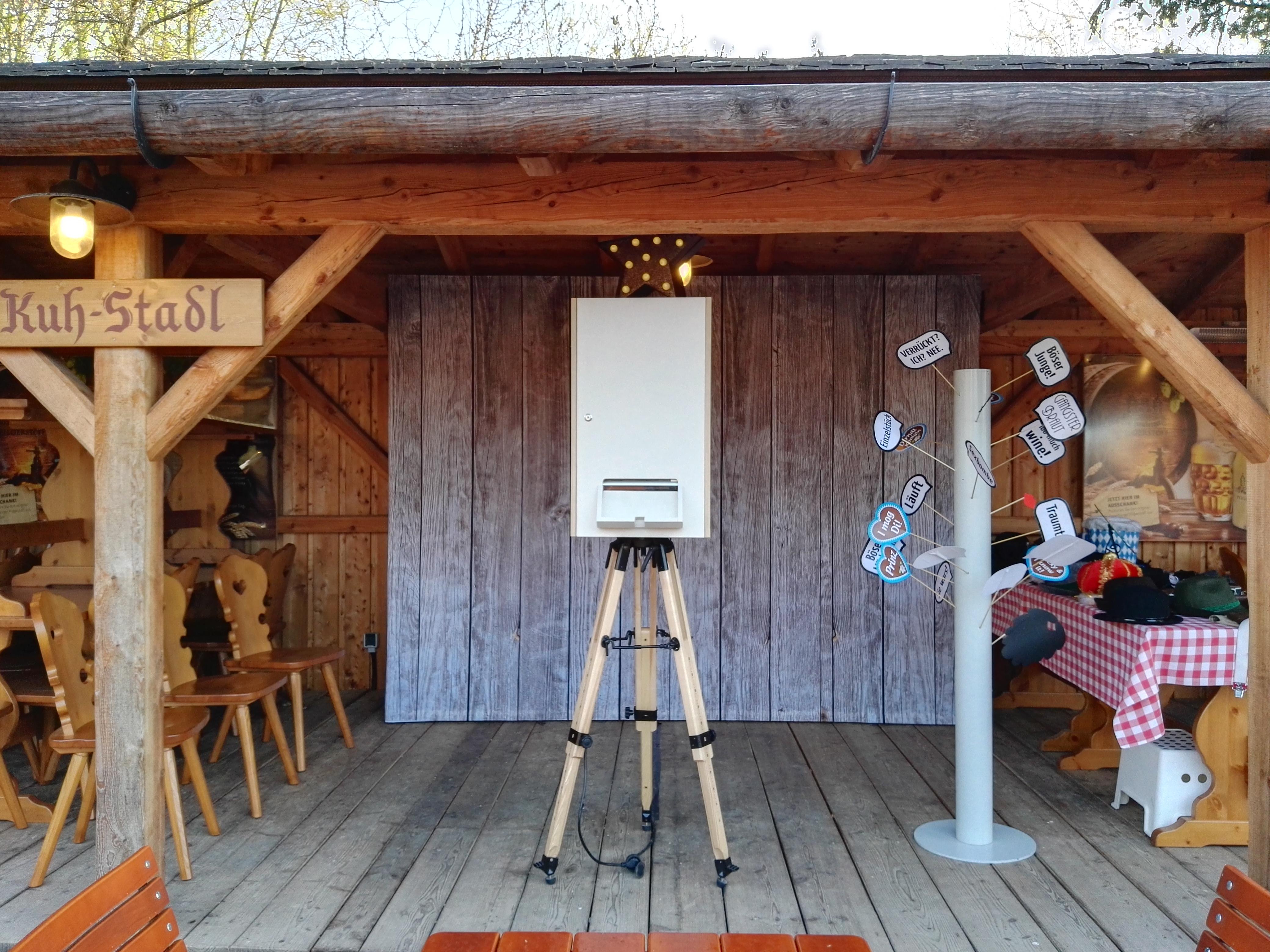 Alm,Hütte,Trachten,Foto
