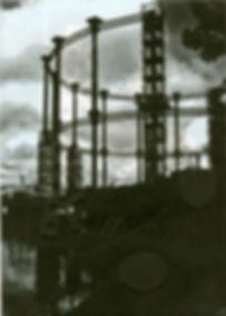 re-erecting gasholder.jpg