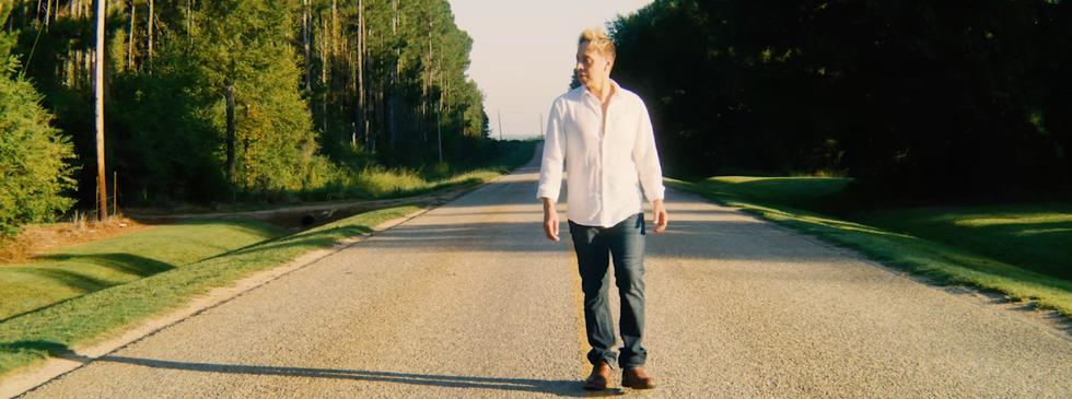 pagan walk on centerville road white shi