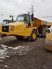 2016 CAT 730C - Front Right.jpg