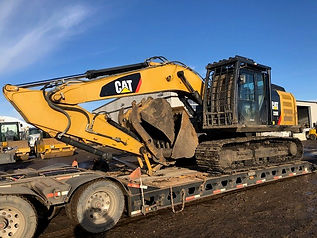 2012 CAT 320E - Front Right.jpg
