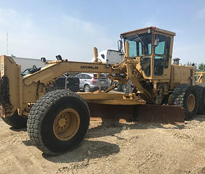 1984 CAT 14G Motor Grader - Front Right.