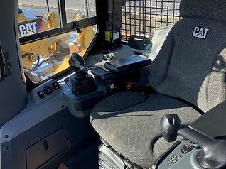 2013 CAT D7E LGP - cab.jpg