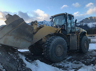 2013 CAT 980H - Front Right.JPG
