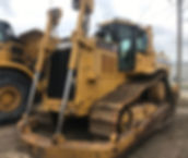 2005 CAT D7R XR dozer - Front Right.jpg