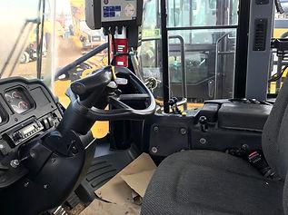 2013 CAT 980H Wheel Loader - Cab.jpg