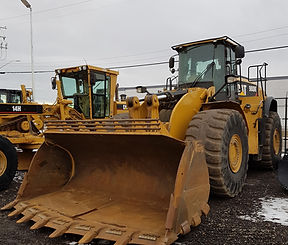 2014 CAT 980K - Front Right.jpg