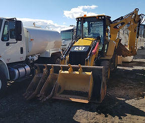 2016 CAT 420F2 IT Backhoe Loader - Front