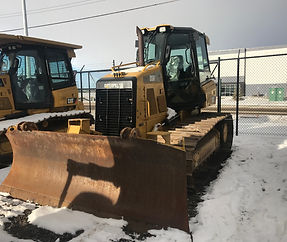 2014 CAT D5K LGP - Front Right.jpg