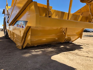 1999 CAT 631E Scraper - Box Front left.j