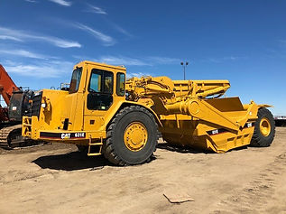 1999 CAT 631E Scraper - Front Right.jpg