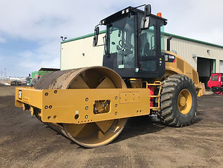 2015 CAT CS56B Smooth Drum Vibratory Compactor
