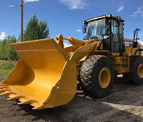 2010 CAT 966H - Front Right.jpg